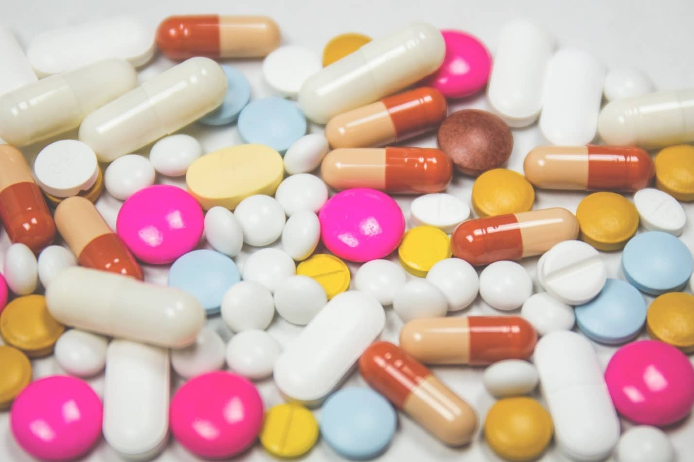 Many kinds of painkiller pills